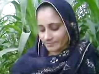 Pakistani girl fucked by her cousion in open field